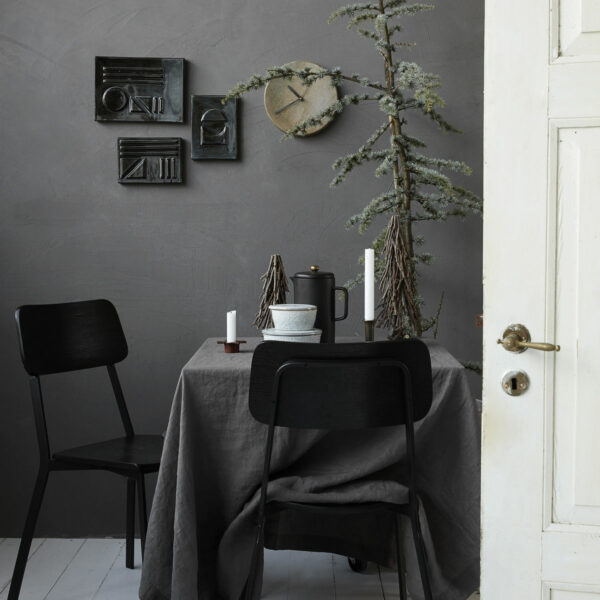 donkergrijs linnen tafelkleed house doctor villa madelief