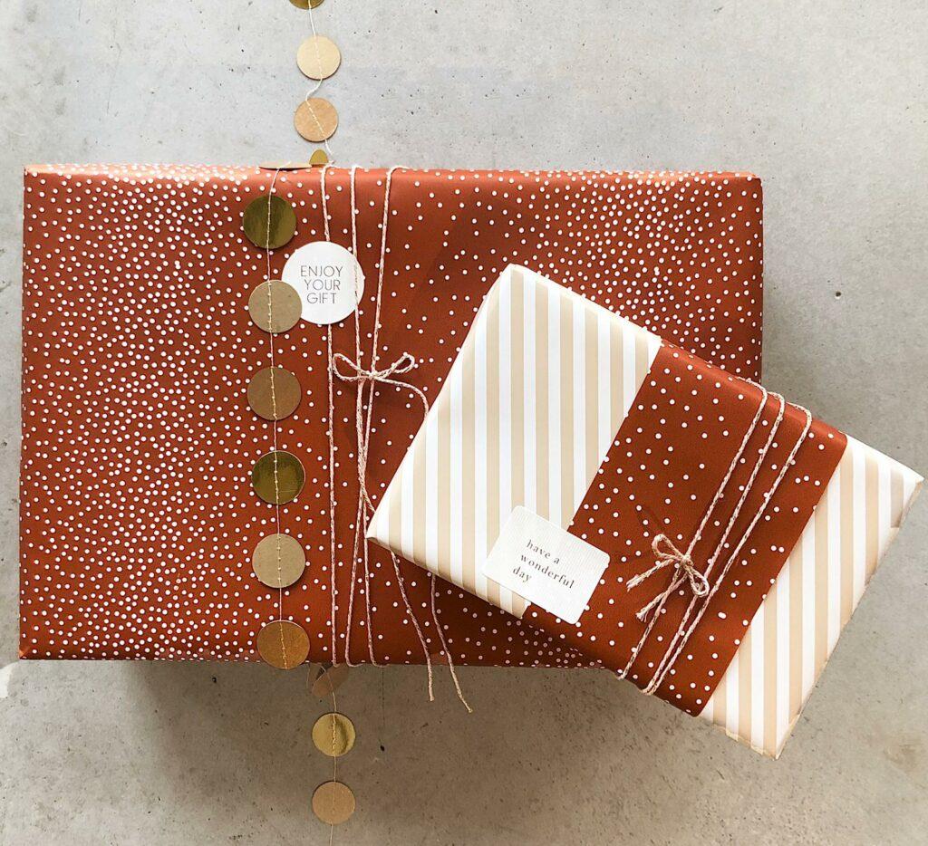 Villa Madelief feestelijke verpakking cadeaupapier