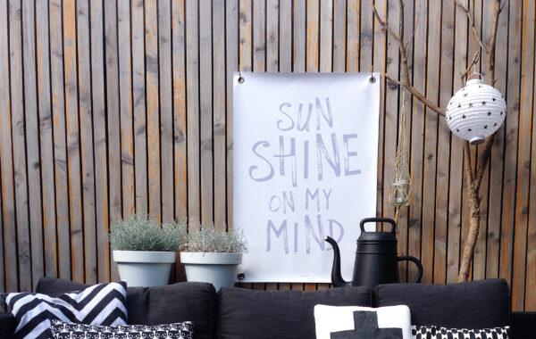 Tuinposter wit paars sunshine