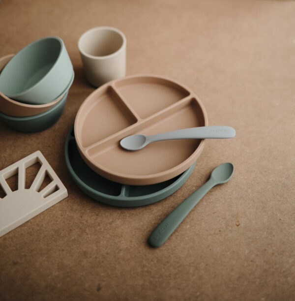 Mushie dinnerware